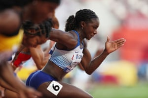 Dina Asher-Smith pulls away from her competitors.