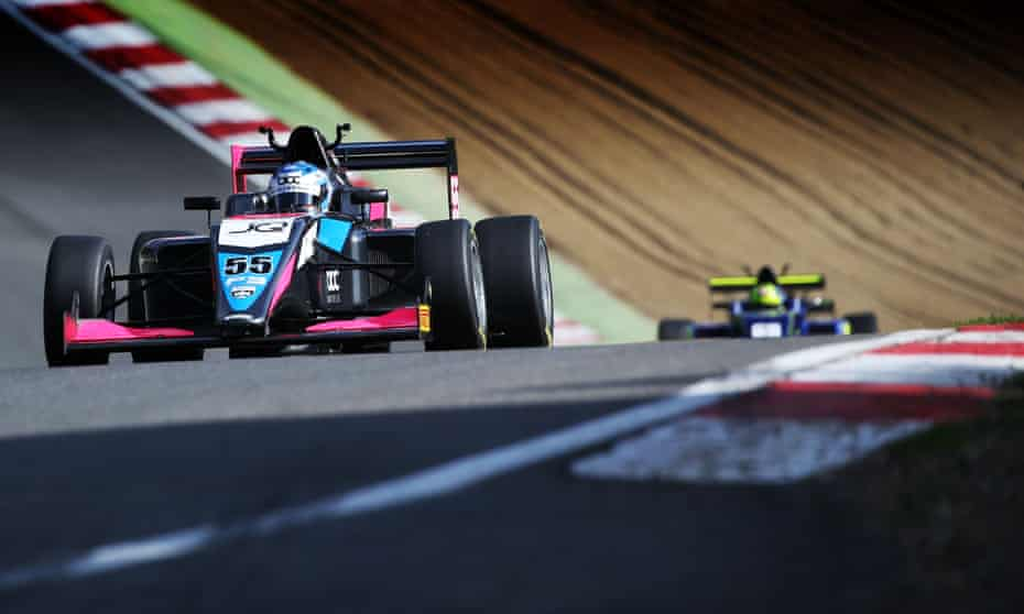 Jamie Chadwick races for Double R Racing in the British F3 Championship.