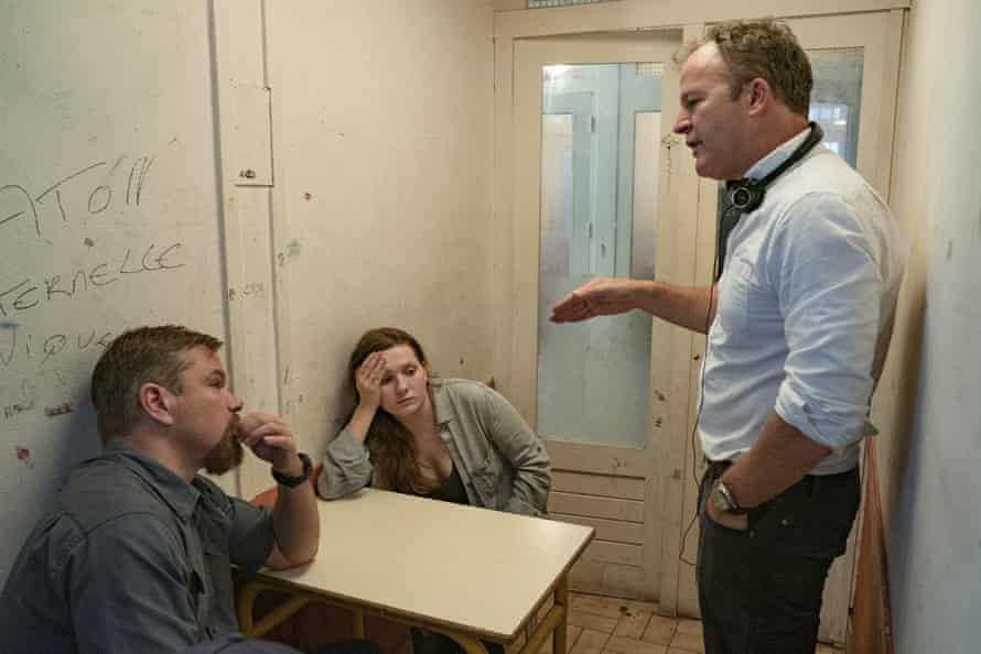 Fictionalised take … Tom McCarthy, right, directs Matt Damon and Abigail Breslin on the set of Stillwater.