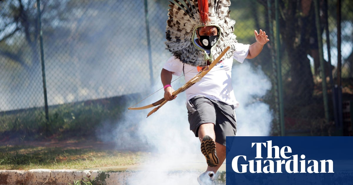 Brazil police use teargas and rubber bullets against indigenous protesters