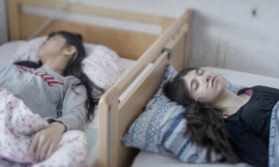 Het gezonde kind dat niet wakker zou worden: de vreemde waarheid van 'mysterieziekten'