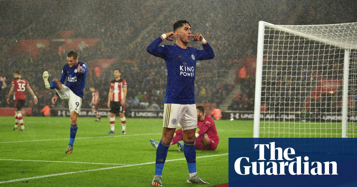 Vardy and Pérez hat-tricks as Leicester smash nine against Southampton