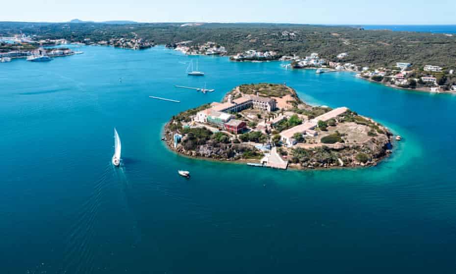 a view of the Illa del Rei
