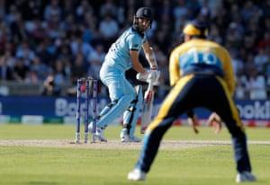 Mark Wood edges a ball from Nuwan Pradeep and Sri Lanka win!