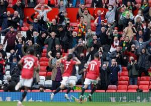Cavani celebrates scoring his team's opening goal.