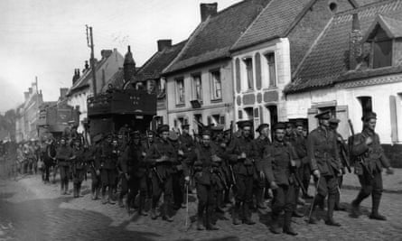 British troops returning from the line after the Battle of Loos in France, 1915.