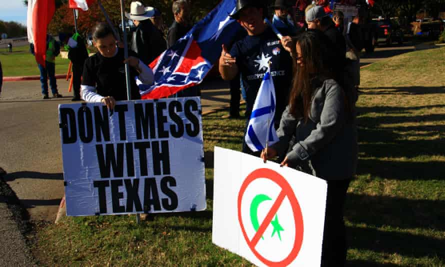 Activists demonstrate at Irving city hall backing anti-Muslim stance 05 Dec 2015, Irving, Texas, USA Image by © Richard Michael Knittle Sr./Demotix/Corbis