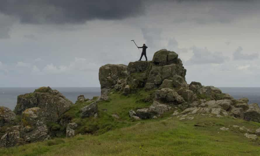 Acheson records sounds from Lizard Point as part of the National Trust and British Library's Sounds of our Shores collaboration