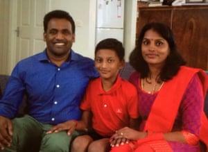 Para Paheer with Abi and Jayantha