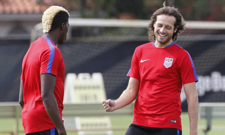 Mix Diskerud, right, warms up with LA Galaxy's Gyasi Zardes during a USA training session in Florida.