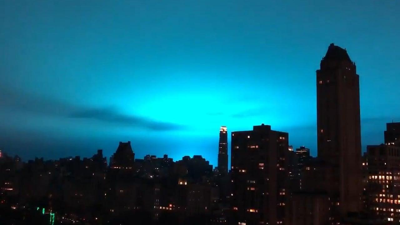 Bright sky at night: power plant explosion turns New York City horizon blue  – video
