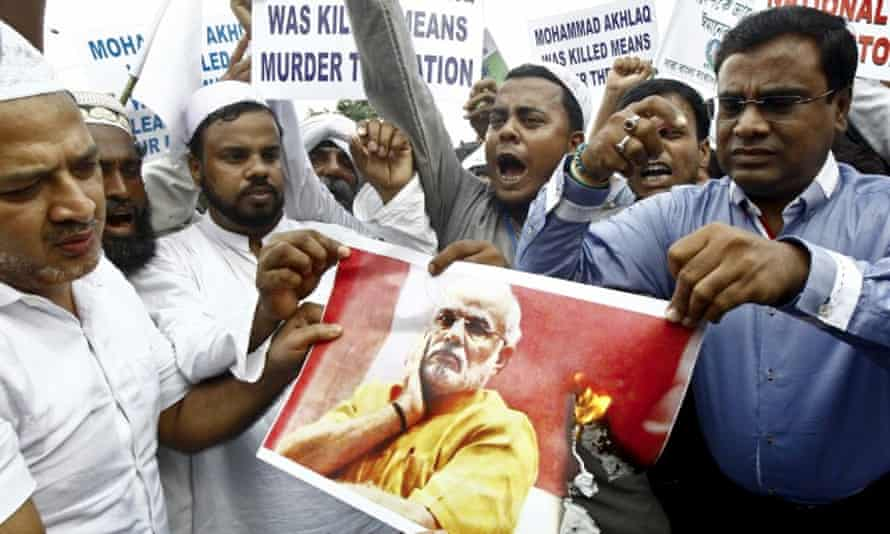 Protestors after the murder of a Muslim who was beaten to death for allegedly eating beef.