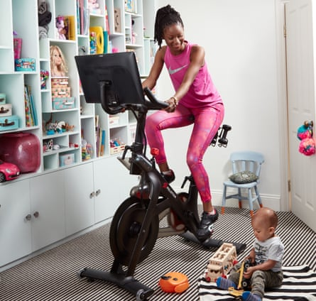Model virtual cycling with Peloton at home