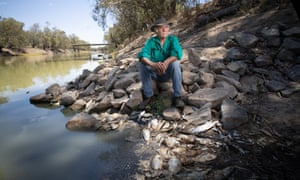 Barkandji elder Badger Bates at the Baarka (Darling River) mass fish kill, Menindee NSW.
