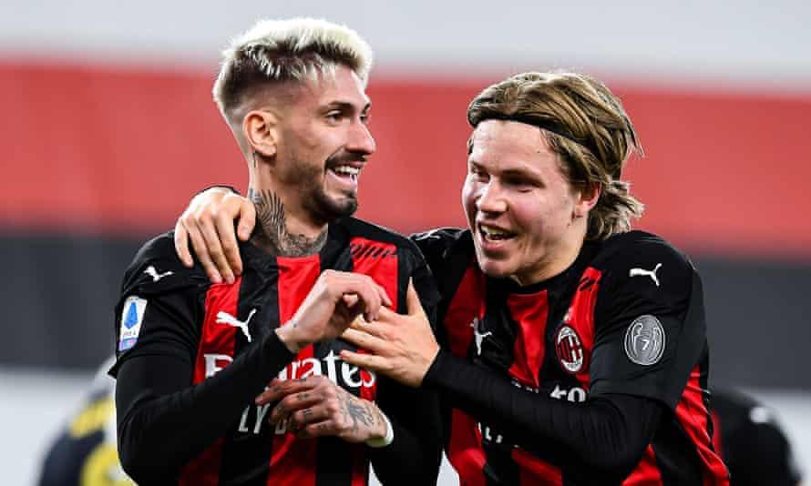 Milan's Samu Castillejo (left) celebrates with his team-mate Jens Hauge after scoring against Sampdoria.
