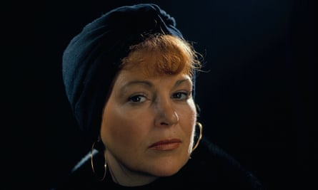 Annie Ross in 1975. Her voice was praised for its 'dreamy watchfulness'.