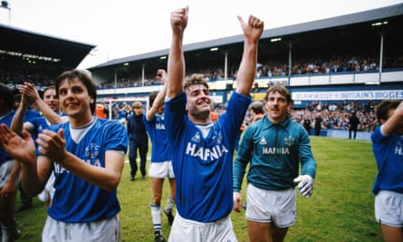 Kevin Ratcliffe, Graeme Sharp and Neville Southall celebrate after winning the league together in 1985.