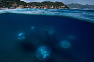 In order to find a solution for a future model of sustainable agriculture, Sergio Gamberini created Nemo's Garden, the first underwater greenhouses in the world. This innovative experiment on the Italian Riviera aims to find a new sustainable agricultural system for the future, which can counteract the increasing pressures brought by the climate crisis.