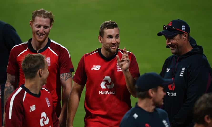 Dawid Malan shares a joke with his England teammates after running a single to finish on 99 not out.