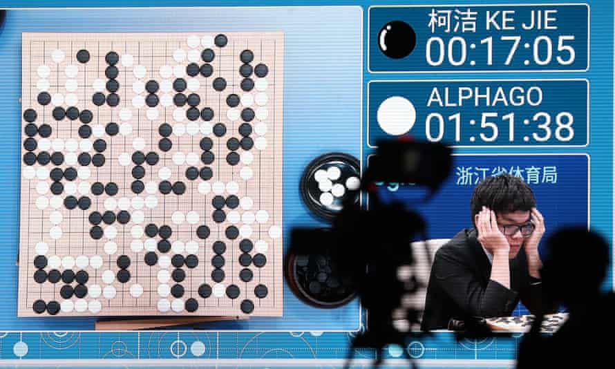 A screen at the Future of Go summit in Wuzhen, China, keeps score during the match between Chinese player Ke Jie and Google's AI AlphaGo.