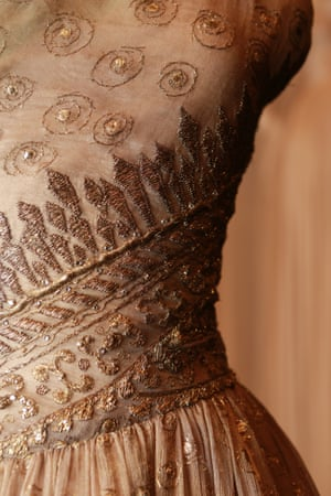 Soirée de Lahore, evening dress (1955) by Christian Dior Winter silk (organza), metallic thread, diamanté