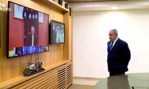 Benjamin Netanyahu talking to Scott Morrison