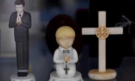 First Holy Communion statues