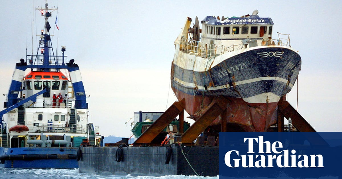 Families hope UK inquest will solve mystery of trawler deaths in 2004