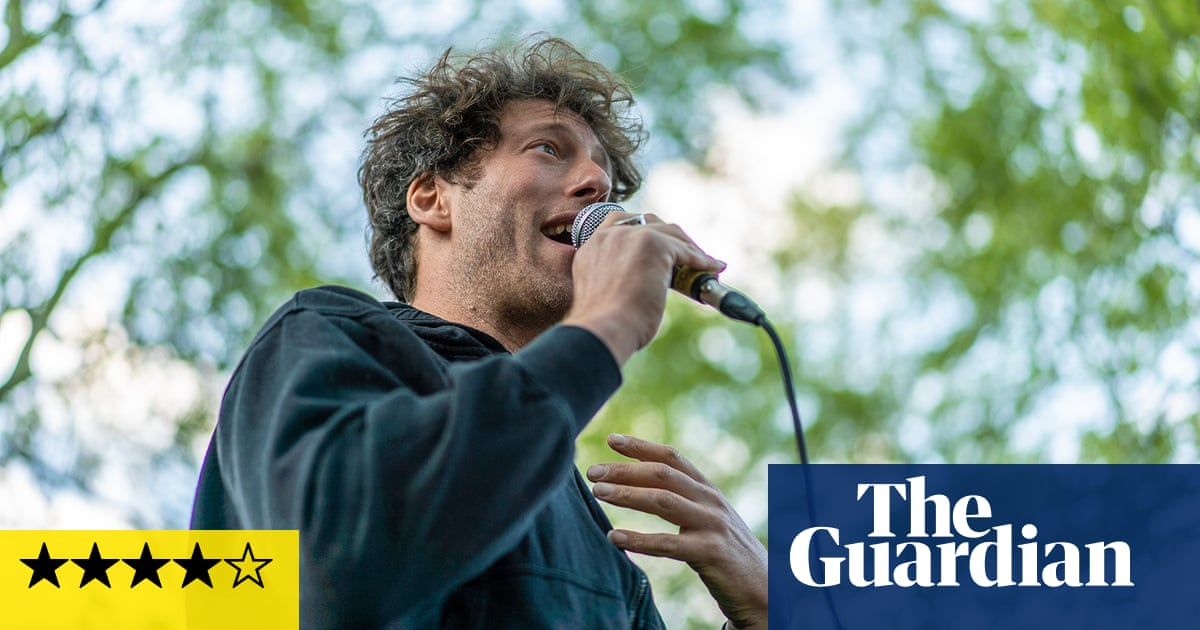 Sam Lee: Old Wow review – a dazzling fusion of nature and song