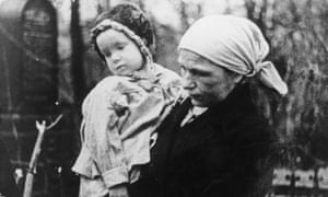A woman and child in Leningrad during the siege