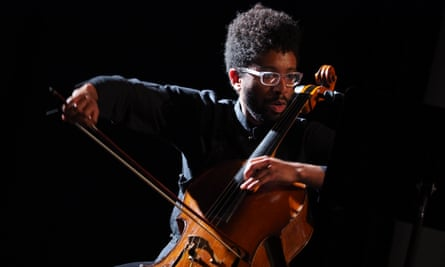 Seth Parker Woods: a cellist of power and grace