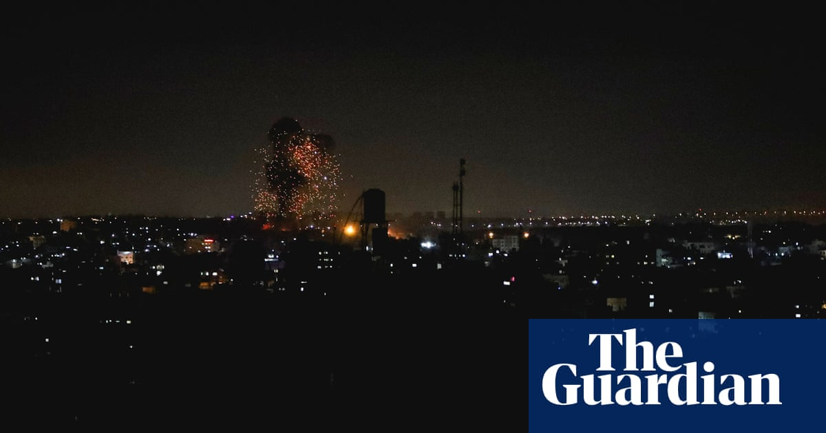 Israel launches new airstrikes on Gaza in response to incendiary balloons