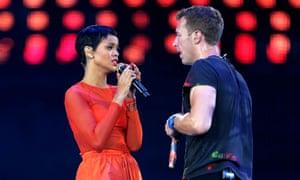 Martin performing with Rihanna at the London Paralympics, 2012