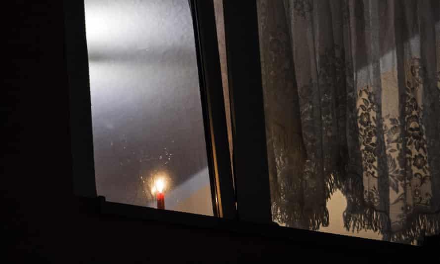 candle window