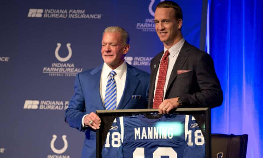 Indianapolis Colts owner Jim Irsay, left, poses with former Colts quarterback Peyton Manning
