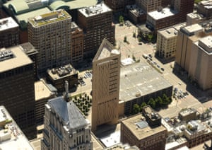 The 28-storey Metropolitan Correctional Center, Chicago, which has a rooftop exercise yard and narrow 5-inch-wide windows.