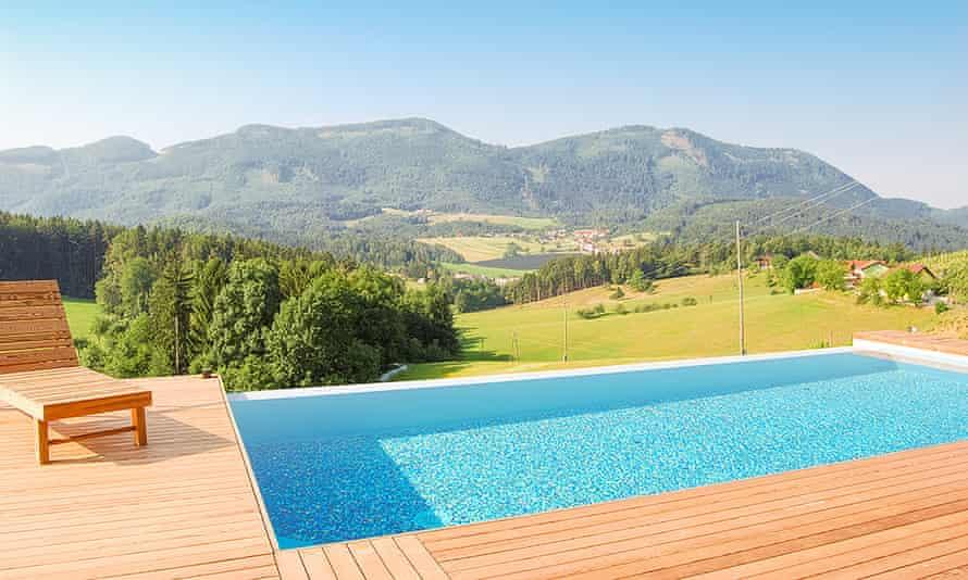 Urška Eco Farm infinity pool