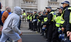 Brexiters confront police