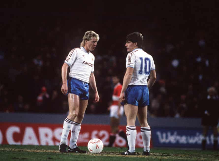 McAvennie and Cottee prepare to kick off at Charlton.