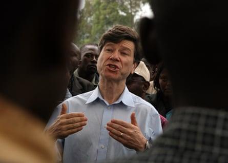 Jeffrey Sachs visiting a Millennium Village in Uganda in 2007.
