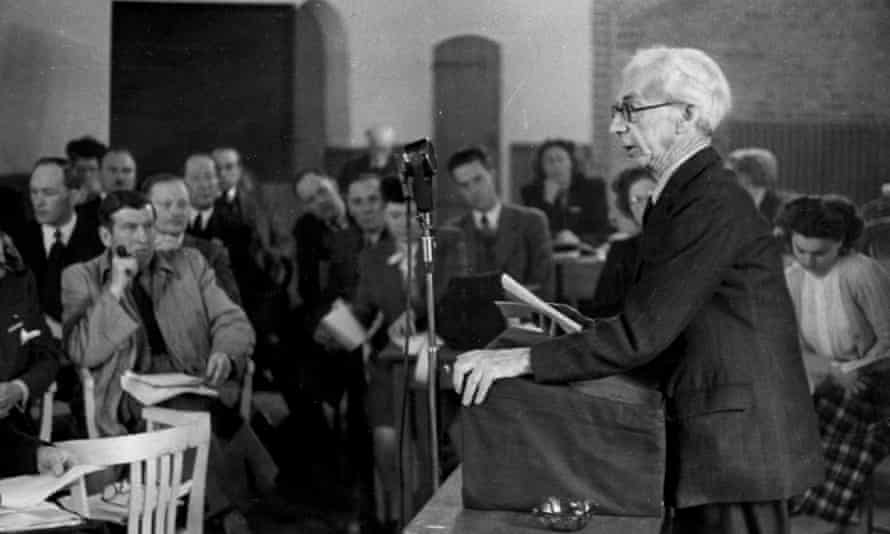 Bertrand Russell at the Hague Conference, 1948.