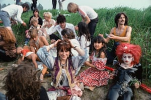 Herman Brood and Nina Hagen among other actors during film recording of the movie 'Cha-Cha' in the village Ruigoord, 1979