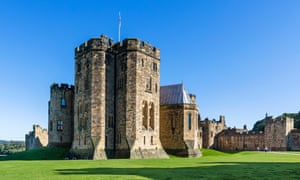 Outer Bailey looking towards State Rooms, Alnwick Castle (location of Hogwarts School in Harry Potter films), Northumberland, UK