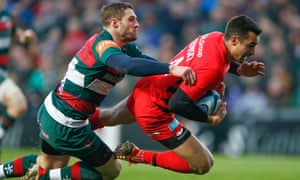 Lozowski scores a try for Saracens in the Premiership at Leicester earlier this season.
