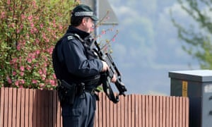 Police officers investigated a bomb hoax in Derry on Sunday morning.