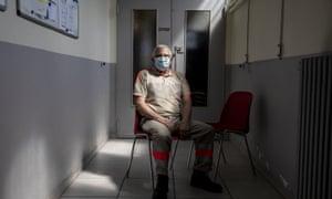 L'objectif est d'introduire le vaccin dans la collectivité, a précisé Roger Fontaine, responsable de la Croix-Rouge en Seine-Saint-Denis.
