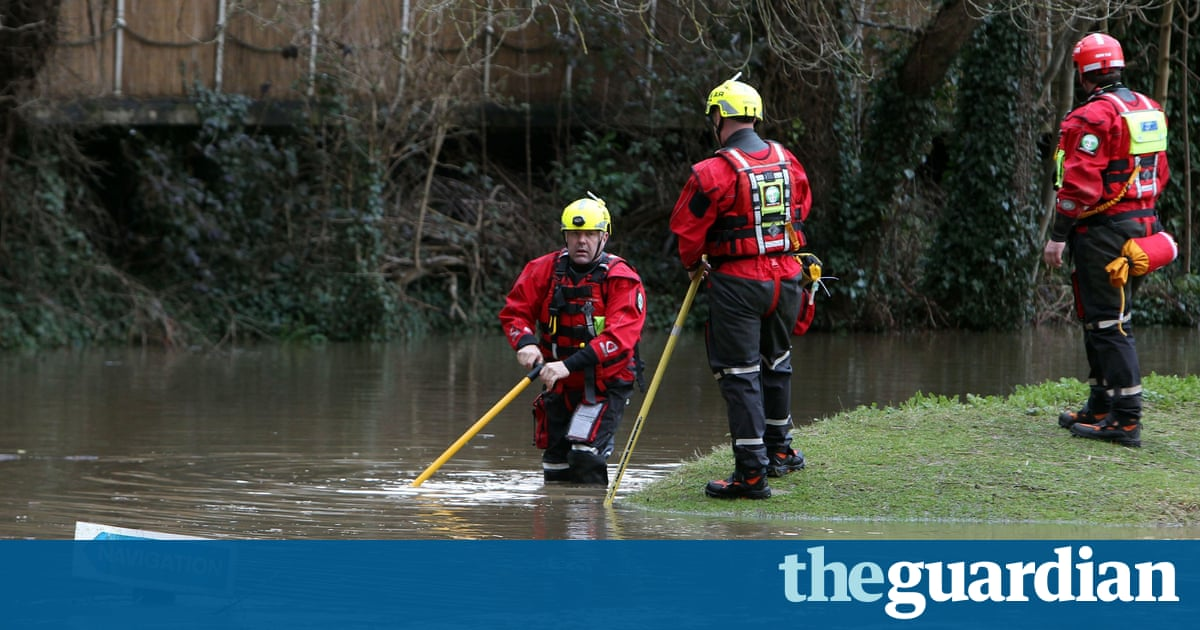 police search river wey for missing kayaker after storm kati