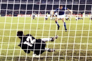Argentina goalkeeper Sergio Goycochea breaks Italian hearts in the semi-final penalty shootout.