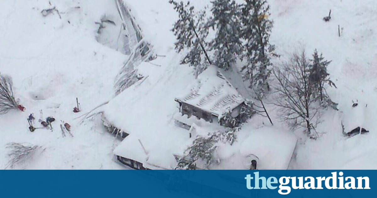 Avalanche in Abruzzo  in pictures