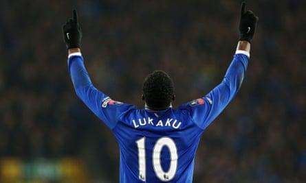 Everton's Romelu Lukaku celebrates scoring his second goal in the FA Cup quarter-final against Chelsea